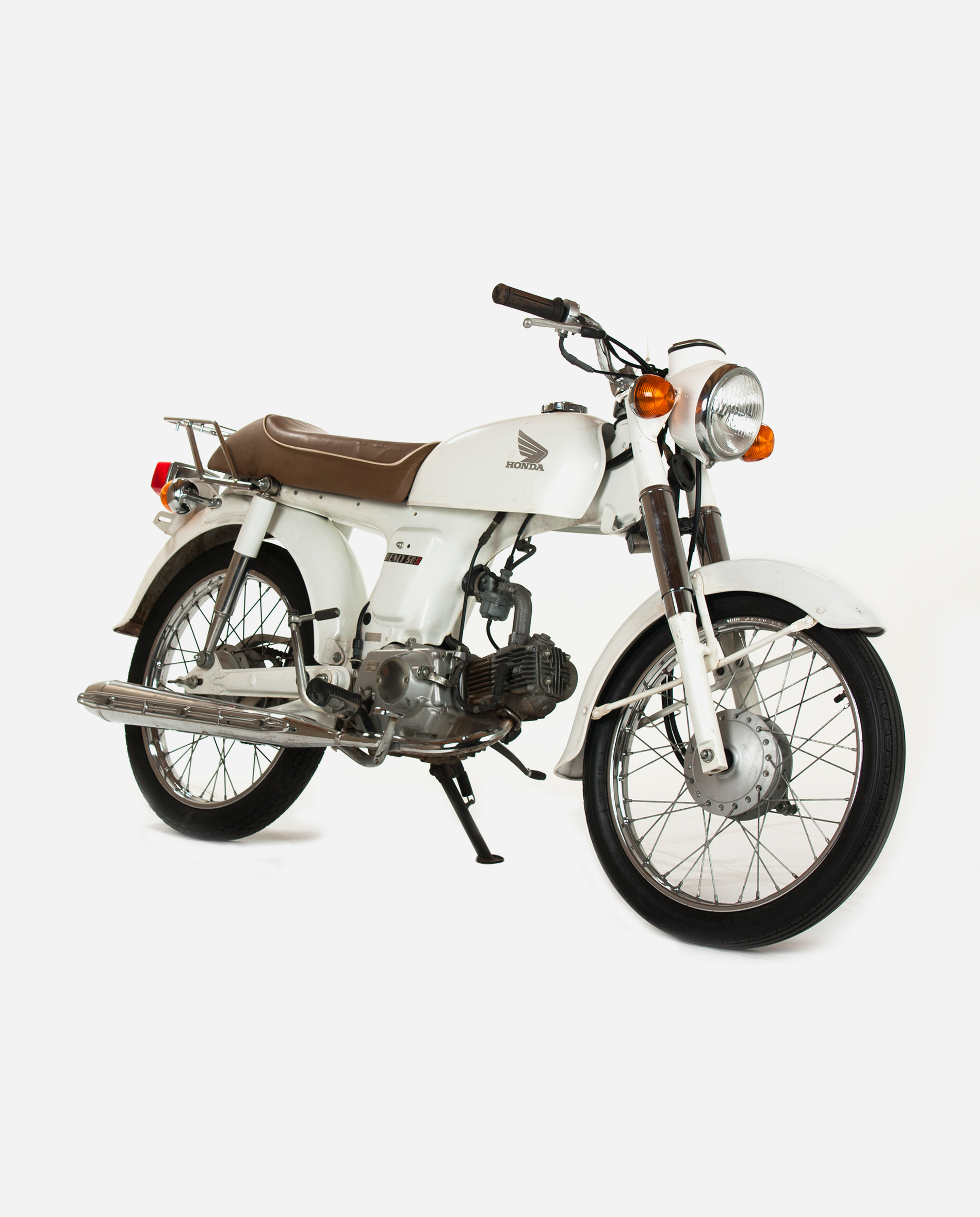 Honda-benly-with-cognac-colored-seat-rv · Fourstrokebarn