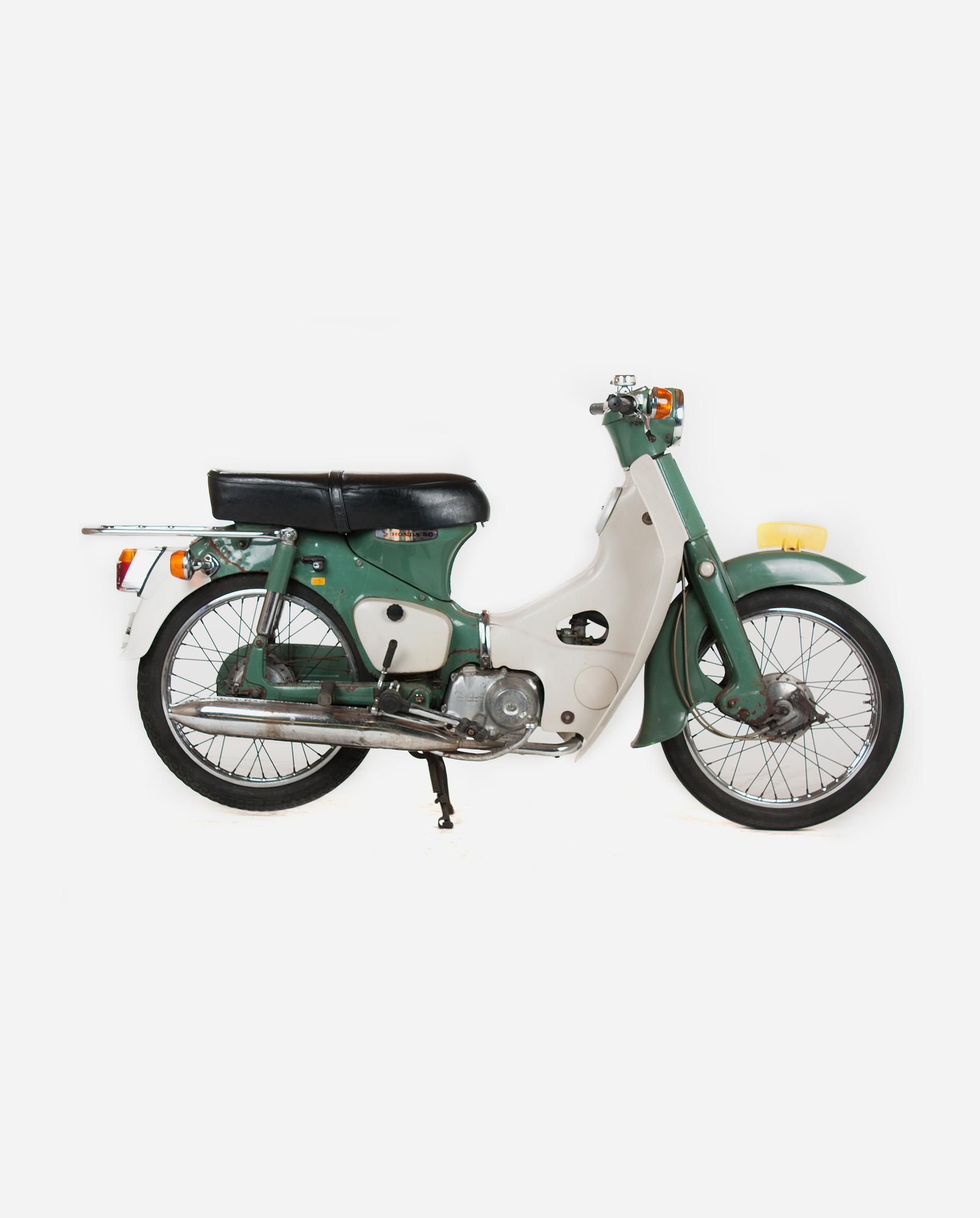 Honda-c50-whtiout-license-r · Fourstrokebarn