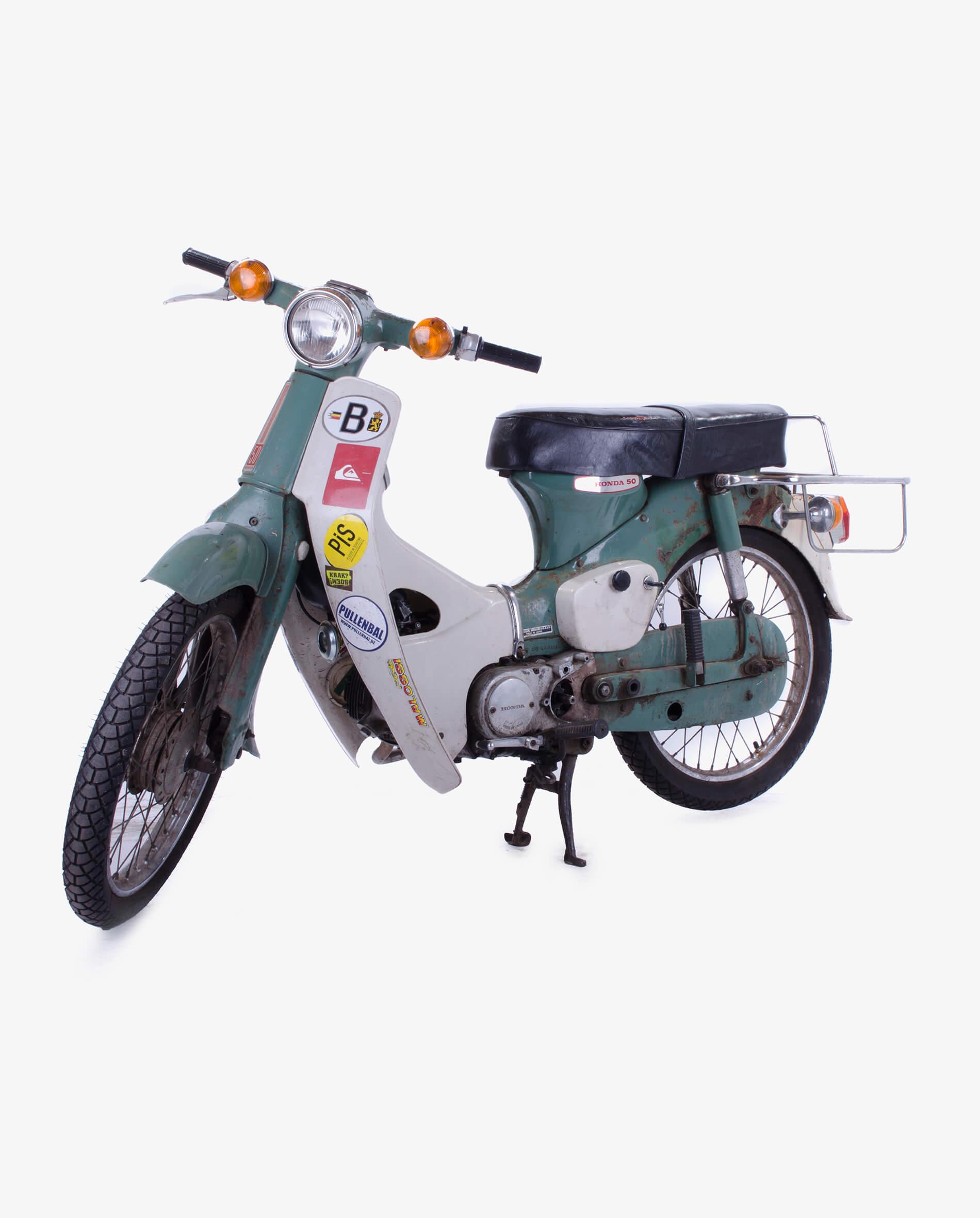 Honda C50H · Fourstrokebarn
