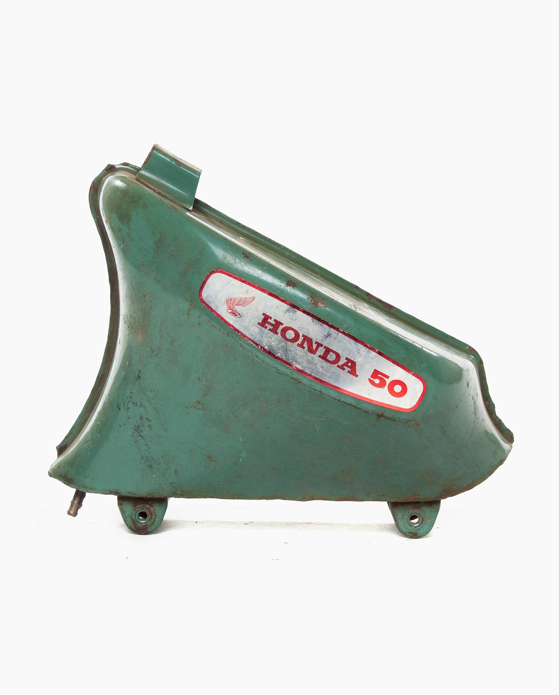 Honda C50 petrol tank (nr. 63)