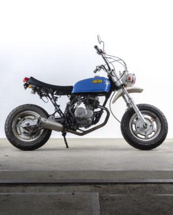 Honda Ape blue