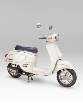 Honda giorcub white (2)