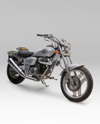 Honda Magna 50 zilver C14_005